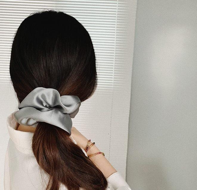 Silk Scrunchie Chic Ponytail Hairstyles