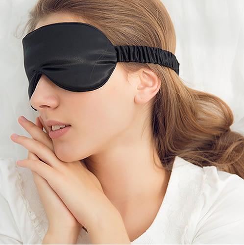 Silk Mask Prevents Wrinkles