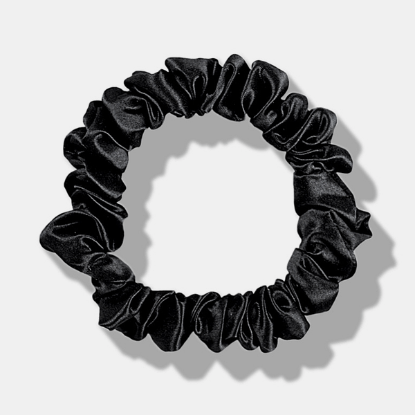 Medium Silk Scrunchie Black